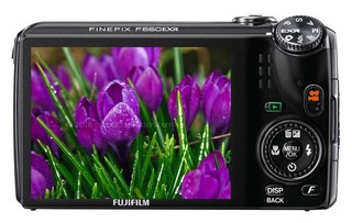 Fujifilm F660EXR back view and LCD