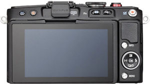 Olympus E-PL6 back view and LCD