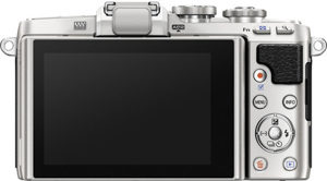 Olympus E-PL7 back view and LCD