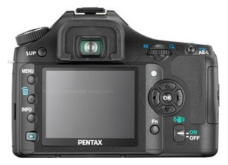 Pentax K200D back view and LCD
